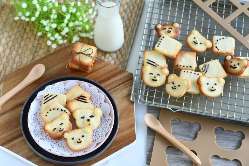 Langue de Chat Cookie Template Mat - Bear 1
