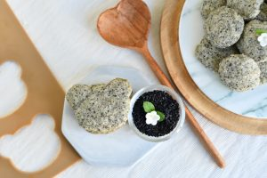 10 Easy Steps to Delectable Black Sesame Pebble Cookies by Bakeomaniac! 4