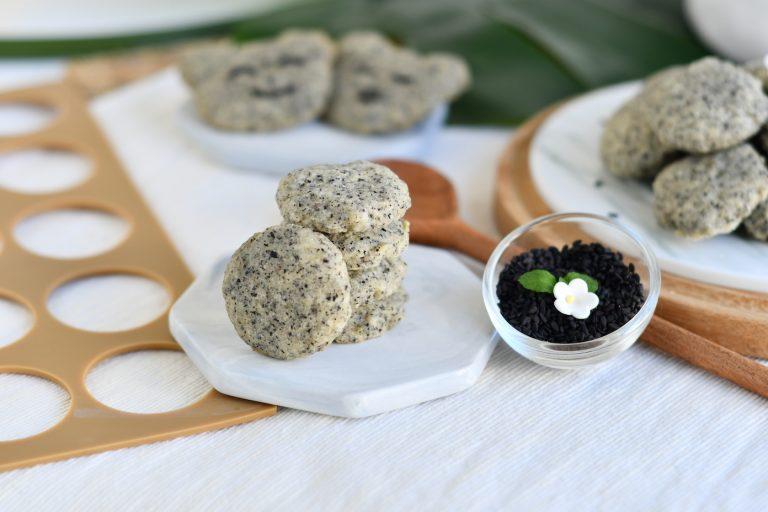 Black Sesame Pebble Cookies