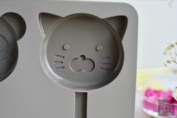 Okaimono Ice Popsicle Mould - Racoon & Cat